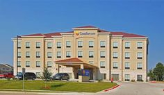 Comfort Inn-Western Center Fort Worth (Texas) This hotel is 15 minutes from Fort Worth Alliance Airport and Fort Worth Zoo.  It features a heated indoor pool and hot tub. A flat-screen TV is provided in every room.