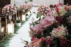 Decoração com flores em tons rosas e verdes!