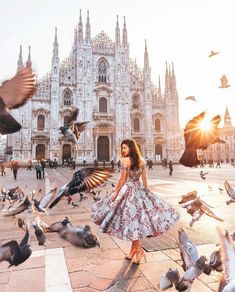Milan is one of the most popular cities in Italy. Find out the best things to do, places to see and where to eat if you're only visiting Milan for one day. - The Ultimate Milan Design Week Guide 2019 You Need Oh The Places You'll Go, Places To Travel, Travel Destinations, Travel Pictures, Travel Photos, Photography Poses, Travel Photography, Milan Travel, Cities In Italy
