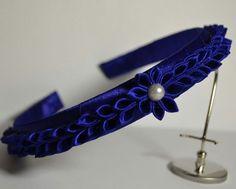 Ribbon Braids, Ribbon Bows, Disney Headbands, Headband Tutorial, Ribbon Sculpture, Kanzashi Flowers, Japanese Flowers, Flower Making, Hair Band