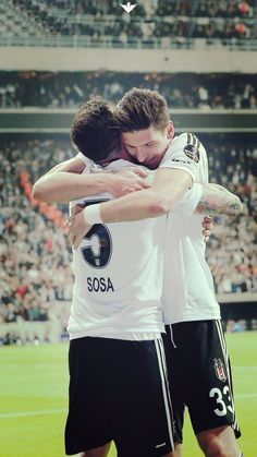 #Beşiktaş #JoseSosa #MarioGomez Mario Gomez, Fc Bayern Munich, Another Love, Football Team, Eagles, First Love, Baseball Cards, Couple Photos, Sports