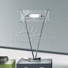 Leucos Vittoria lampada da tavolo con diffusore in vetro soffiato cristallo trasparente. Struttura e schermo anti-abbagliamento in metallo cromato.