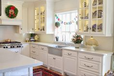Eleven Gables: Christmas, Christmas, Time is Near! Time for Fun and Time for Cheer! Blogger Stylin' Home Tour: Christmas Edition 2014