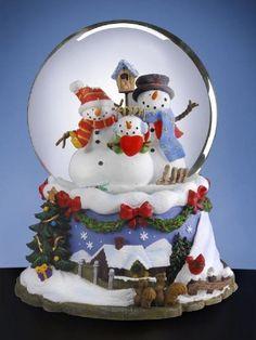 Snowman Family - Water Globe San Francisco Music Box Company,http://www.amazon.com/dp/B004MB902C/ref=cm_sw_r_pi_dp_q4z9sb1W8W1VPQDK