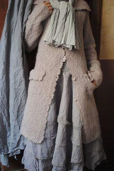 """""""Ma veste en laine grise ou en vieux rose..."""""""