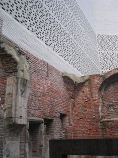 Old Meets New at the Kolumba Brick Architecture, Beautiful Architecture, Architecture Details, Interior Architecture, Peter Zumthor, Brick And Stone, Grey Brick, Kolumba Museum, New Wall