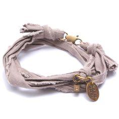 Bracelet vintage taupe Marie Depaire, bracelet en tissus fait main en France, à découvrir sur www.myshop4men.com  #mariedepaire #madeinfrance #handmade #madeinparis #vintage #bracelethomme