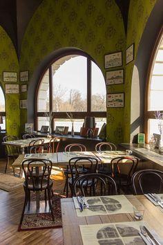 A Városliget Café Törley terme különleges helyszínként szolgálhat :) Hatalmas panoráma ablakai a tóra és a Vajdahunyad várára néznek - így  a kilátásra nem lehet panasz! Ismerd meg jobban Te is ezt a helyszínt, kattints! :) Budapest