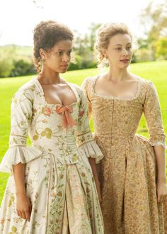 Gugu Mbatha-Raw and Sarah Gadon as Dido Elizabeth Belle and her cousin Lady Elizabeth Murray in the 2013 film Belle. Old Dresses, Pretty Dresses, Vintage Dresses, Vintage Outfits, Vintage Fashion, 18th Century Dress, 18th Century Clothing, 18th Century Fashion, Historical Costume