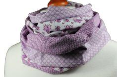 """Loop """"Lila Rose""""    Ein schöner Loop im Frühling/Sommer-Look aus drei Baumwollstoffe.  Schön zu kombinieren, angenehm zu tragen.  Passt optimal 2 mal"""