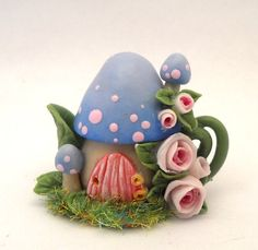 Lory's mushroom fairy house teapot. by 64tnt on Etsy