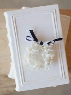 Isari Design - hyacinth wreath boutonniere