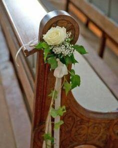Simplicidade e delicadeza na decoração da cerimônia. ������ #casamento #cerimoniadecasamento #wedding #decoracaodecasamento #decoracao #noiva2017 #noivo #noiva #bride #groom #amei http://gelinshop.com/ipost/1518063330341583875/?code=BURPo5PjnwD