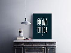"""Placa decorativa """"Quem é do Mar Não Enjoa""""  Temos quadros com moldura e vidro protetor e placas decorativas em MDF.  Visite nossa loja e conheça nossos diversos modelos.  Loja virtual: www.arteemposter.com.br  Facebook: fb.com/arteemposter  Instagram: instagram.com/rogergon1975  #placa #adesivo #poster #quadro #vidro #parede #moldura"""