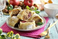 Kalocsai rétes palacsintával töltve Recept képpel - Mindmegette.hu - Receptek Oreo, Camembert Cheese, Pancakes, Cheesecake, Tacos, Dairy, Vegetables, Cooking, Ethnic Recipes