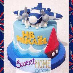 Airplane cake Waves cake
