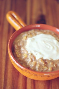 Trim, Healthy (& Frugal) Tuesday Recipe: White Bean Chili (E Style) If you are anything like me, you can totally appreciate a good chili recipe, and one that fits with Trim Healthy Mama paramet...