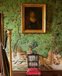 Rachel spent a day at Abbotsford in Melrose. This Chinese wallpaper can be seen there. Her boyfriend took a picture and sent me it, which prompted me to stencil a green Chinoiserie wall using stencils to I have. Chinoiserie Wallpaper, Chinoiserie Chic, Fabric Wallpaper, Chinese Wallpaper, Hand Painted Walls, Wall Treatments, Decoration, Wall Murals, Stencils