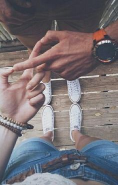 15 Parejas que me hacen maldecir mi mala suerte en el amor I have a feeling that I lost so many years with you… but then I also know that … Couple Fotos, Couple Posing, Couple Shoot, Couple Tumblr, Tumblr Couples, Relationship Goals Pictures, Cute Relationships, Mode Grease, Couple Photography