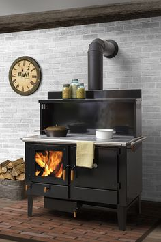 Feel the burning feeling of Wood Stove Design. See more ideas about Wood stoves, Wood oven and Fireplace heater. Picking the best wood burning stoves for your homestead is a personal affair. Wood Burning Cook Stove, Wood Stove Cooking, Cooking Lamb, Cooking Pasta, Cooking Turkey, Cooking Utensils, Wood Oven, Wood Fired Oven, Stove Oven