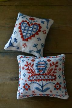 Broderikurser 1 | Karin Holmberg Cushion Embroidery, Wool Embroidery, Embroidery Motifs, Embroidered Cushions, Learn Embroidery, Cross Stitch Embroidery, Embroidery Designs, Scandinavian Embroidery, Swedish Embroidery