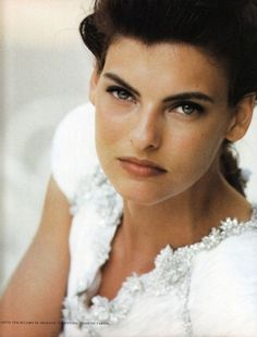Supermodel, Linda Evangelista wearing white photographed by Peter Lindbergh // Vogue Italia September 1988 Peter Lindbergh, Linda Evangelista, Lifestyle Photography, Fashion Photography, Editorial Photography, Original Supermodels, Stephanie Seymour, Canadian Models, Christy Turlington