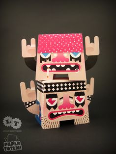 http://blog.dollyoblong.com/post/4017060073/paper-totem-loulou-tummie