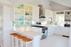 love this kitchen lynn morgan design on house of turquoise White Kitchen Cabinets, Kitchen Cabinet Design, Kitchen Backsplash, Mirror Backsplash, Kitchen Designs, Open Cabinets, Kitchen Ideas, Backsplash Ideas, Glossy Kitchen