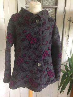WOOL JACKET, GREY WITH CERISE FLOWERS/ ULLJACKA GRÅ MED CERISE BLOMMOR via anno1910. Click on the image to see more!