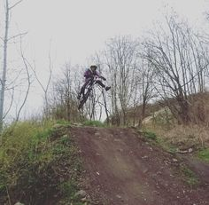 Photo by @noway78_umf  Location: #trashmountain (Leipzig) #gopro #specializedbikes #specialized #onefoot #happy #jump by _khlrprdctns_