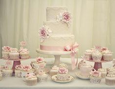 Bolo-de-casamento-vintage-rosa-e-branco.jpg (640×497)
