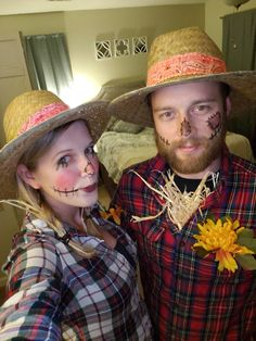 Pregnant Couple Halloween Costumes, Couples Halloween Outfits, Halloween Costumes Scarecrow, Kids Costumes Girls, Halloween Crafts, Toy Story Costumes, Tutu Costumes, Mad Hatter Costume Kids, Peter Pan Costumes