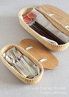 Nantucket Baskets, Diy Crafts For Home Decor, Bamboo Crafts, Cool Kitchen Gadgets, Paper Basket, Home Room Design, Weaving Patterns, Basket Weaving, Bamboo Weaving