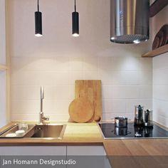 kleine U-förmige Küche in weiß mit dunklem Bodenbelag | Kitchen ...