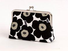 Marimekko poppy print silk lined floral clutch, Scandinavian fabric, Bag Noir, Bridesmaid clutch, Weddings bride formal clutch purse