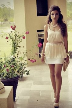 Light and summery look, pink-clutch-forever-21-bag-peach-blouse-white-mini-skirt-express-skirt
