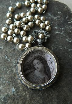 Beautiful...great use of an old watch ~ <3 K8 <3 ~