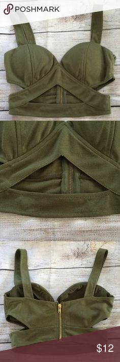 "Tobi Green Bralette Crop Top Size Small Nice pre-owned condition. Although there is some loose threads near the bottom (see last photo) Side to side measurement is 14"" Tobi Tops Crop Tops"
