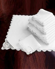 -0PY0 Crochet-Edge Placemats & Napkins