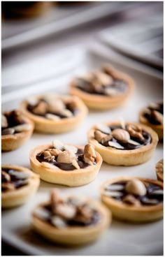 Mini tarts with dark chocolate and nuts - candy bar - Boheme delices francaises