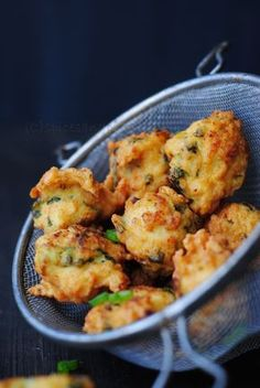 Arooq/Minced chicken fritters from the Bohra communtiy – of spices and pisces Mince Recipes, Appetizer Recipes, Snack Recipes, Cooking Recipes, Healthy Recipes, Tofu Recipes, Healthy Ramadan Recipes, Cooking Tips, Amish Recipes