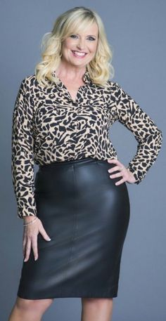 Carol Kirkwood Hot in leather skirt wear more leather for me . Older Women Fashion, Sexy Older Women, Sexy Women, Womens Fashion, Carol Kirkwood, Tv Girls, Sexy Skirt, Dress With Boots, Baby Girl Fashion