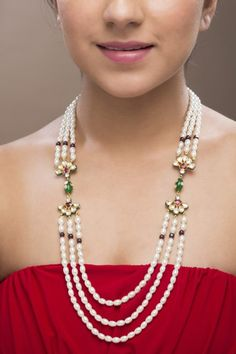 Beautiful Indian pearl necklace