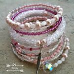 Jeden jarní.../Spring one... #spring#pink#memorywirebracelet#crochet#beadwork#crochetwithbeads#romantika#romantic#mypassion#mylove#handmade#jewelry