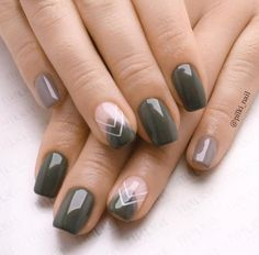 36 Perfect and Outstanding Nail Designs for Winter 2018 36 Perfect and Outstanding Nail Designs for Winter dark color nails; nude and sparkle nails; Winter Nail Art, Winter Nail Designs, Winter Nails, Nail Art Designs, Fall Nails, Blog Designs, Dark Color Nails, Nail Colors, Dark Gel Nails