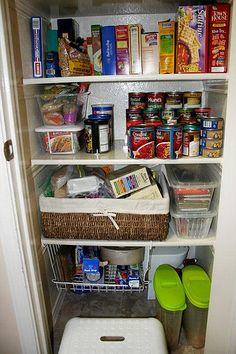 food_storage_idea_010    Enjoy, Share :) http://www.myfoodstorage.com/