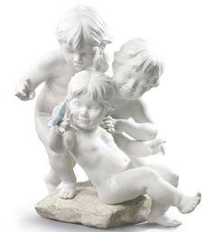 Lladro 09174 CHILDREN'S CURIOSITY http://www.lladrofromspain.com/0chcu.html  Issue Year: 2016  Sculptor: José Luis Santes  Size: 42x38 cm  #lladro #children #curiosity #porcelain