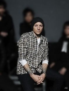 Chester Bennington + beanie= Adorable Linkin Park