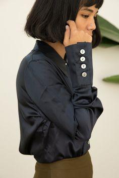Vintage | DKNY Black Silk Blouse