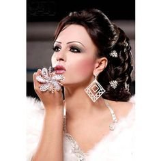 Arabic Hair and Makeup | stylish and exclusive Arabic makeup _7_